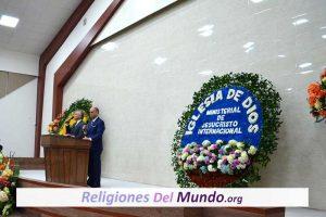Iglesia Ministerial de Jesucristo Internacional Estudios Bíblicos